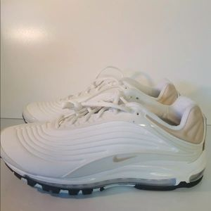 Mens or women's NIKE AIRMAx deluxe SE BRAND NEW